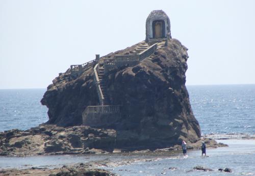 Here, Fernando Poe Jr, filmed his popular Panday.