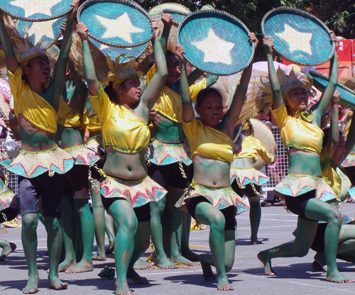 The streetdancers of San Juan, Abra show off their gracefullness in the recent Kawayan Festival 2009 of the provincial government of Abra