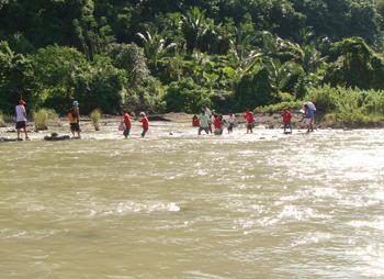 Ti karayan a masapul a daliasatenmi.  Nagkapet-kapetkami tapno di mayanud.  After this... ti barangay ubbog and then ti 2 hours a trekking