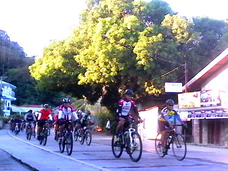 The riders travel to Vigan City at around 7AM